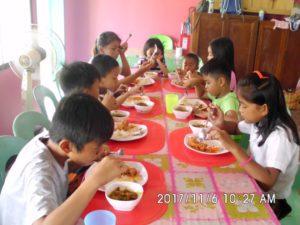 Feeding program at Governor Leopoldo Memorial School | Foscarmis