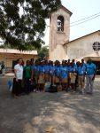 Grupos de estudiantes sensibles, y que aportan dones  y visitan a  los enfermos, haciéndose cercanos a la enfermedad  Ellos mismos son animados y bendecidos por los propios enfermos!!
